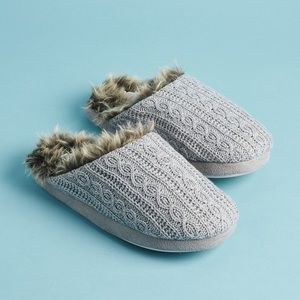 NEW PJ Salvage Faux Trim Cable Slippers M/L